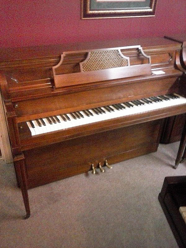Yamaha Console Piano for Sale in Montgomery, AL