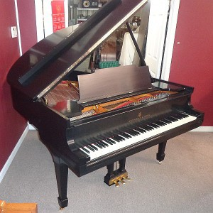 1927 Steinway & Sons Baby Grand Piano for Sale in Montgomery, AL - Front View