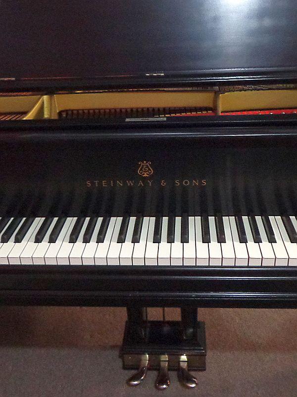 Steinway Grand Piano - Ebony finish