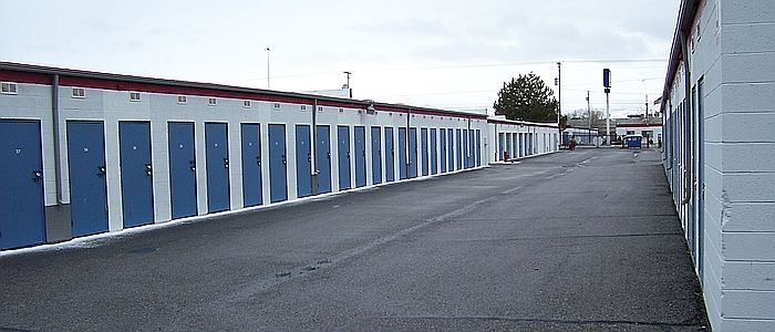 Self storage units with climate control